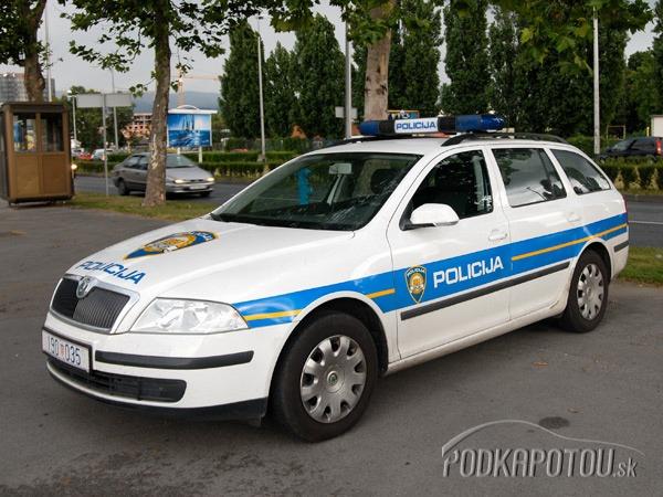 Chorvátska polícia používa väčšinou