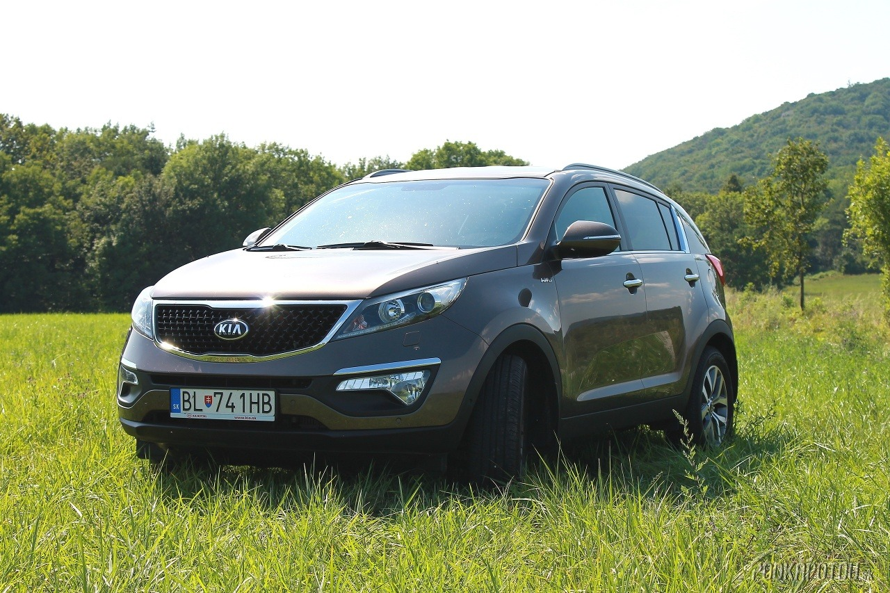 test kia sportage 2 0 crdi 4x4 sa hr na obra a ide jej to foto gal ria. Black Bedroom Furniture Sets. Home Design Ideas