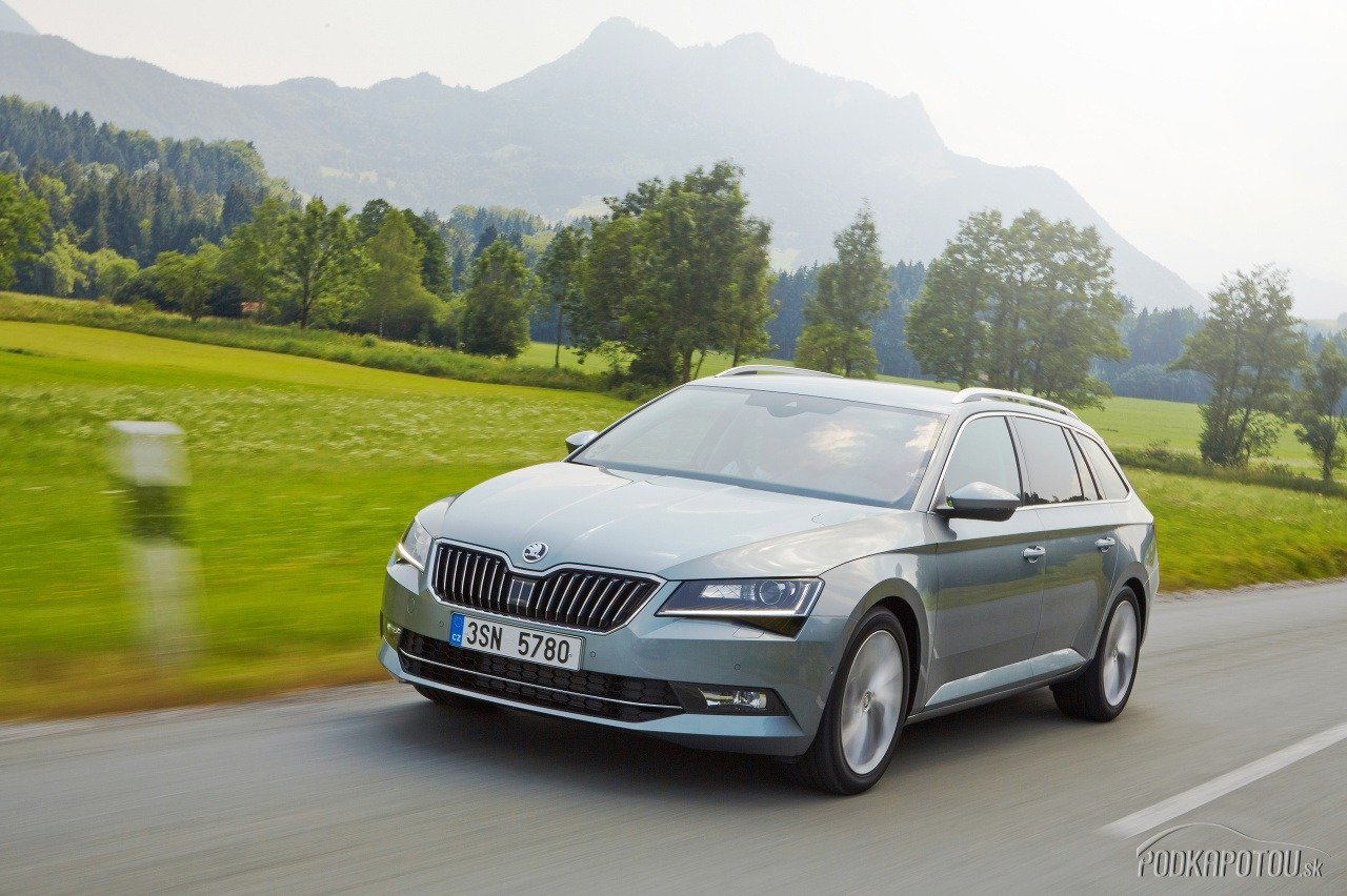 Škoda Superb Combi je