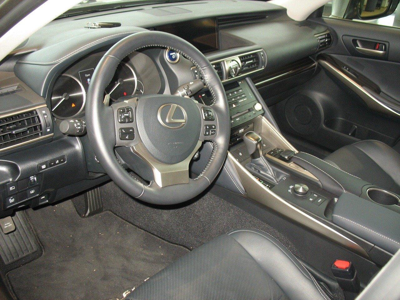 Nový Lexus IS