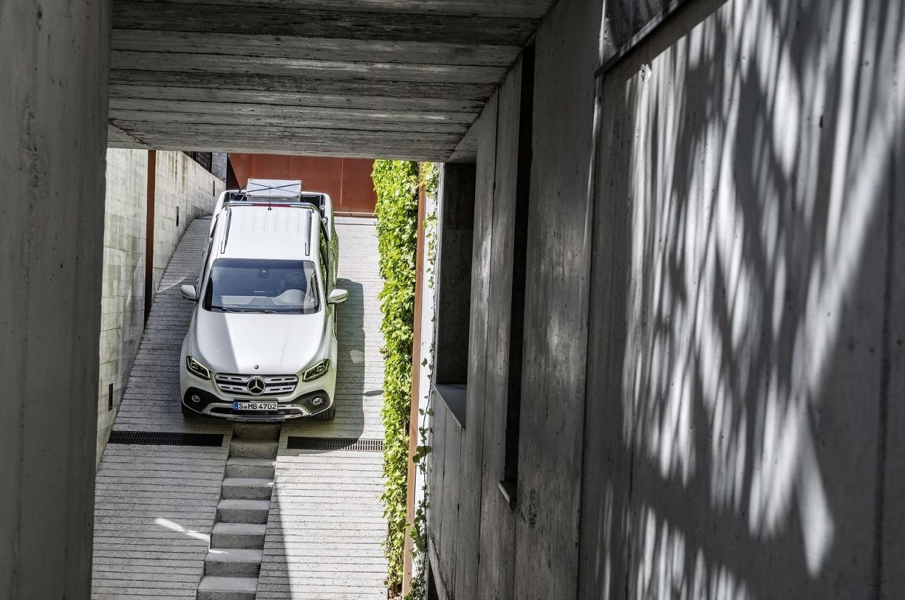 Mercedes Trieda X