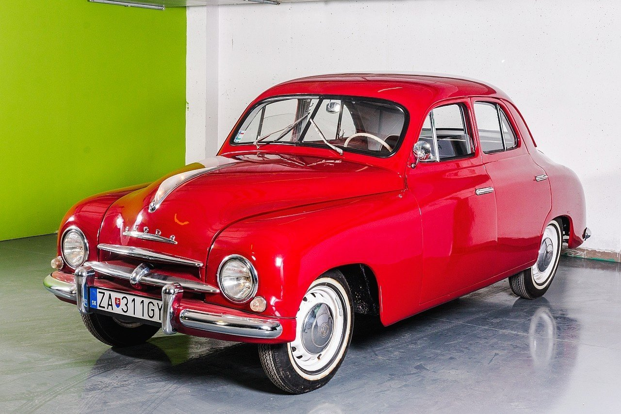 """ŠKODA 1201 """"Sedan"""