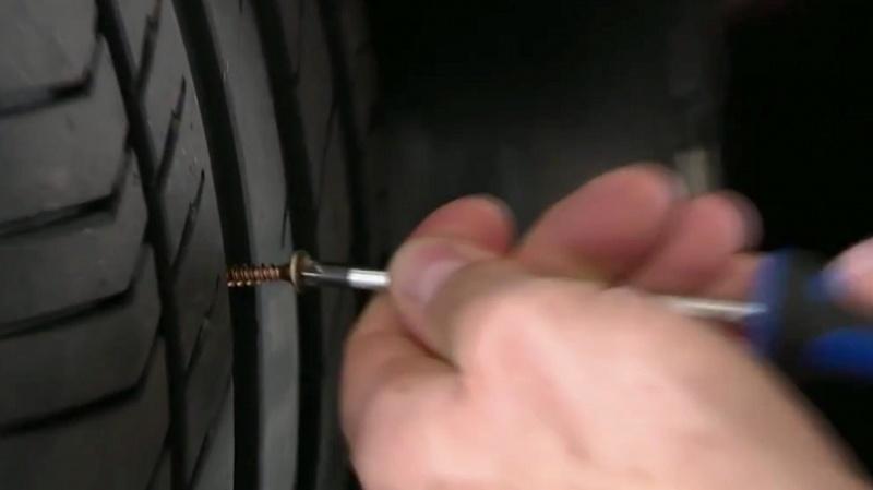 Samoopravná pneumatika
