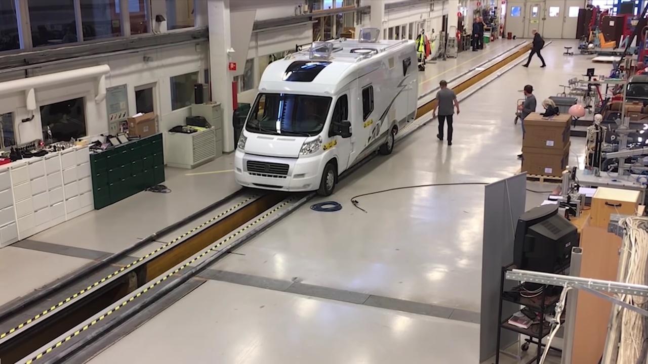 Crash test karavanu