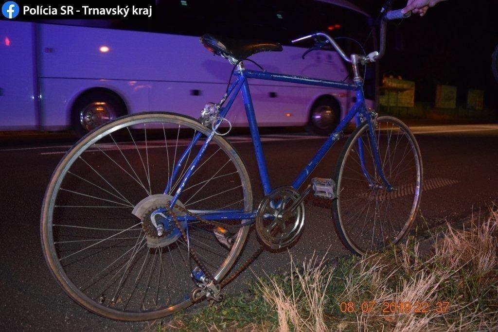 Nehoda cyklista a motorkár
