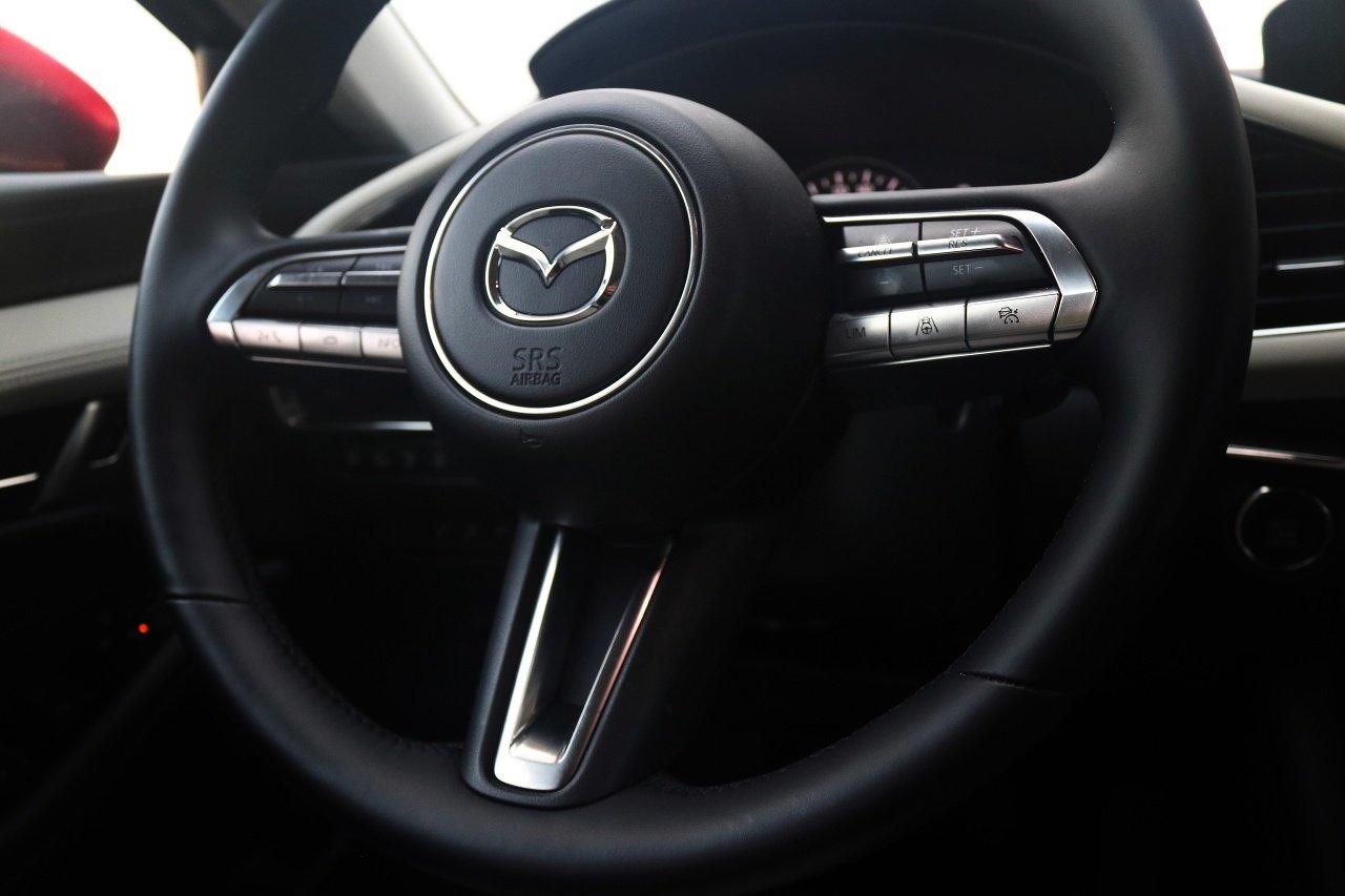 Mazda 3 Sedan SkyX