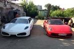 Replika Ferrari limuzína, proti