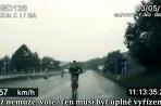 Cyklista na diaľnici