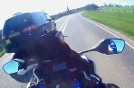 Motorkár za video dostal