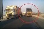 Kamion v protismere