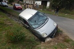 Nehoda bez vodičáku chodec