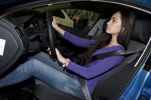 Správna poloha za volantom