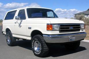 Ford Bronco I. a