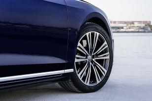 Audi A8 na pneumatikách