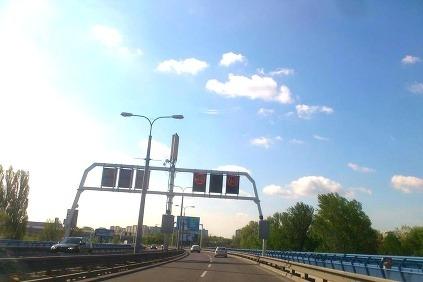 Svetelné návestia na moste