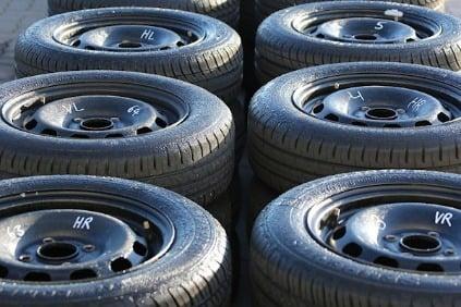 Obuli ste už zimné pneumatiky  A majú dostatočný dezén  Jeho hĺbku ... c04cf41df7f