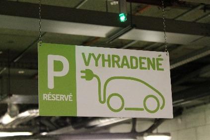 Elektromobily dostali zelenú aj