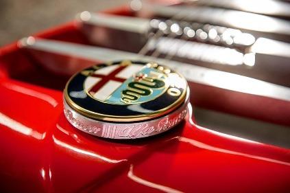 66028b90a Chcete ultra exkluzívny model Alfa Romeo? Za páť tisíc môže byť aj vaša |  Podkapotou.sk