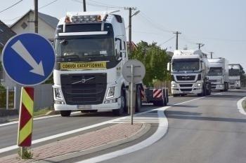 Dvorianky - nespokojnosť kamióny