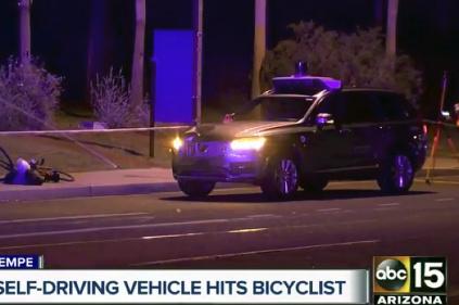 Autonómne auto zabilo chodca