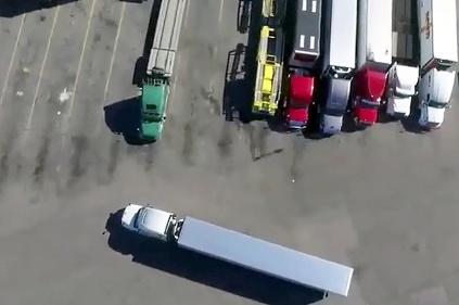 Parkovanie s kamiónom