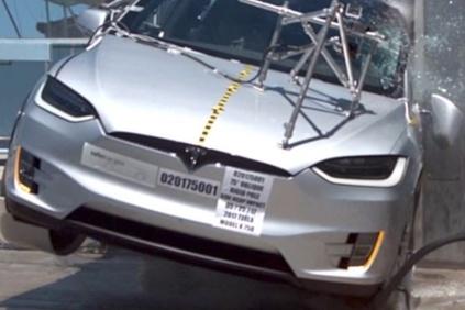 Tesla model X sa