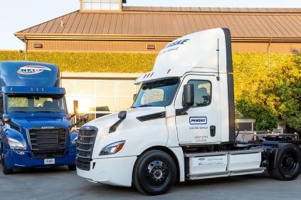 Freightliner eCascadia v rukách