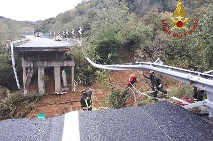 Zrútený most pri Sanove