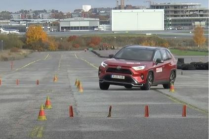 VIDEO: Plug-in hybridné SUV