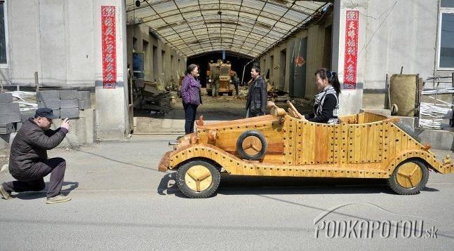 Tesár Liu Fulong postavil
