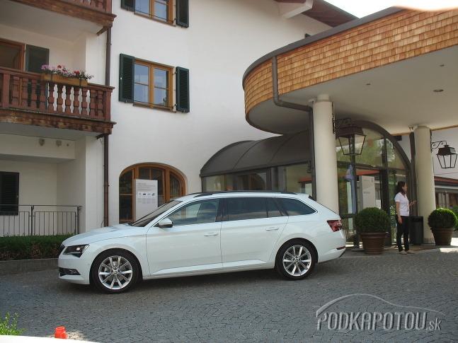 Škoda Superb Combi v