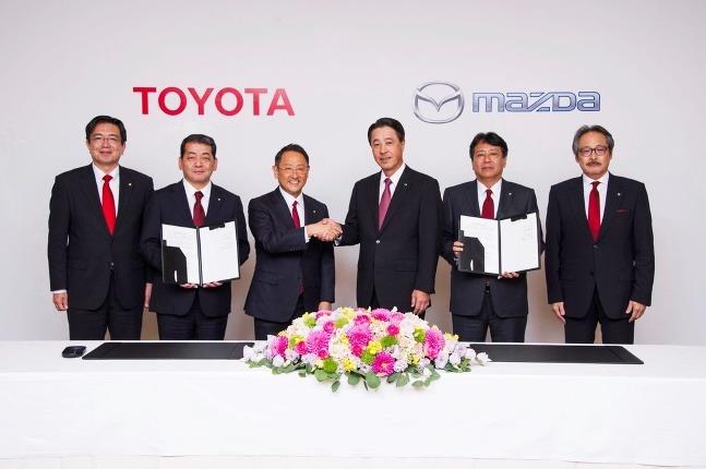 Toyota a Mazda podpísali