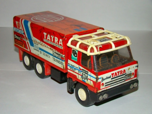 Tatra 815