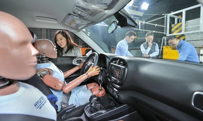 Hyundai a vývoj multikolíznych