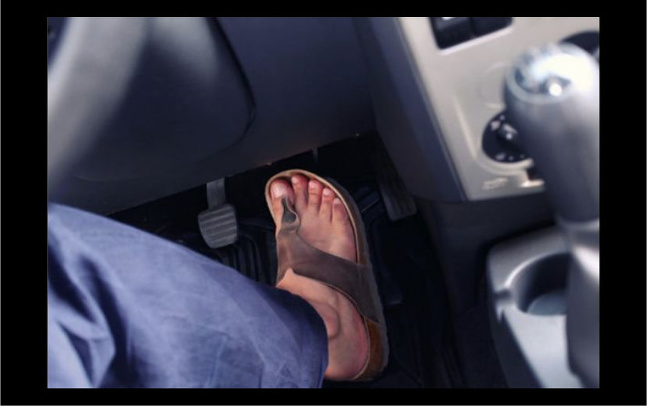 Žabky za volantom