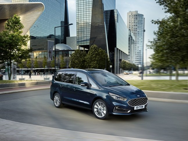 Ford S-Max a Galaxy