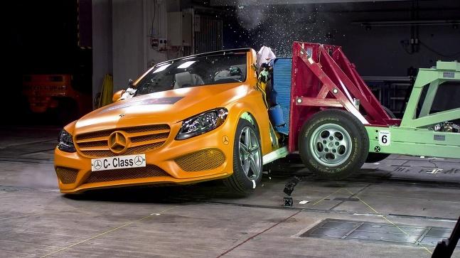 Mercedes nárazové skúšky už