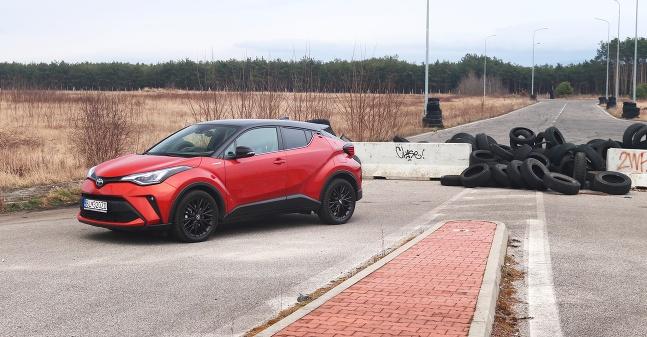 TEST: Toyota C-HR Dynamic