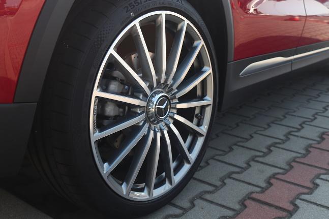 Mercedes E a GLA