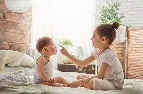 Prečo druhorodené deti rozprávajú