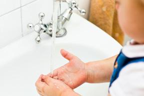 Špinavé ruky: Takto dlho