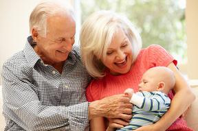 Starí rodičia, ktorí strážia
