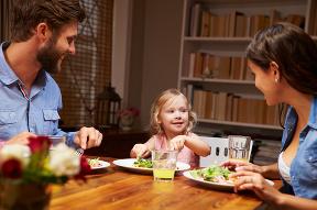 Nepodávajte deťom večeru o