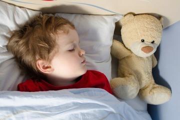 Toľkoto spánku deti potrebujú.