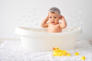 Gumené hračky vo vani:
