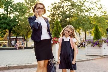 6023e0ddb7a9 Zamestnaná mama  Je to pre deti lepšie alebo horšie