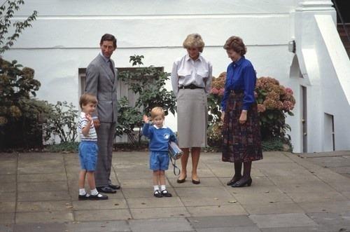 Princ George: Dokedy mu