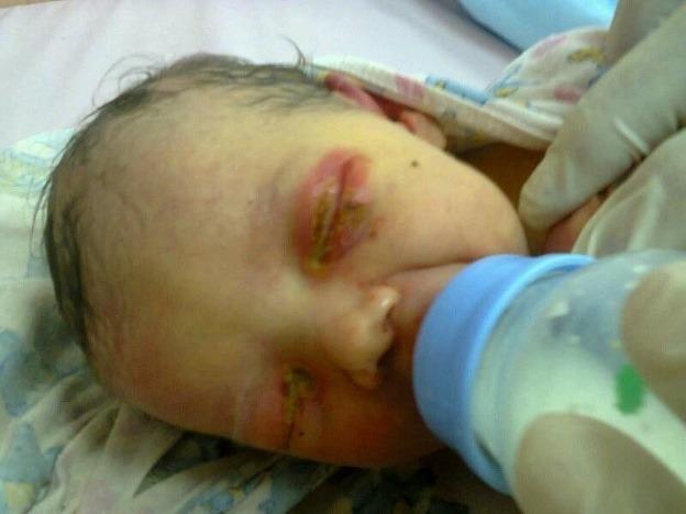 Strážnik zachránil 5-dňové bábätko
