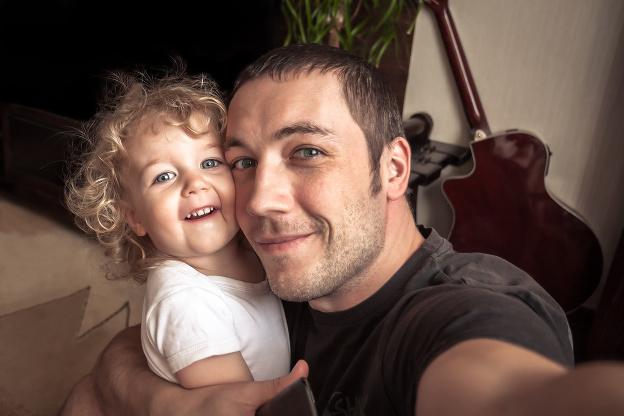 Otec ovplyvňuje život dcéry
