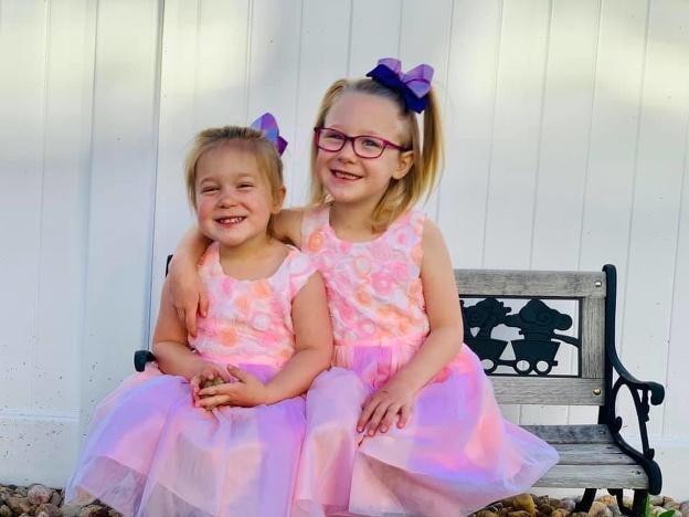Dve z troch detí